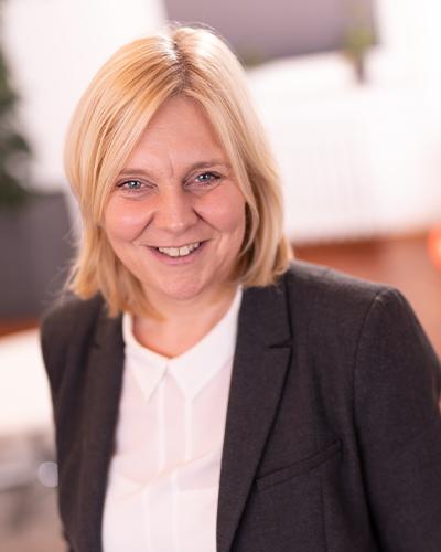 Frau Dr. Arens, Gründerin der UTOPIA Südwestfalen